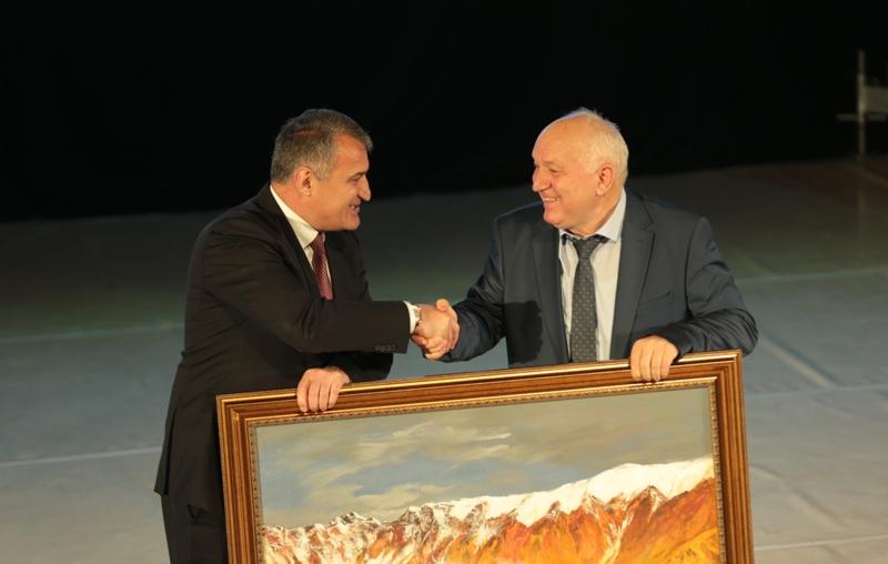 Президент принял участие в юбилейных торжествах ГГАУ