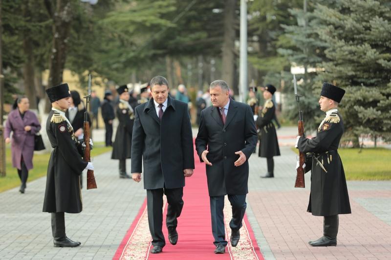 Официальный визит Главы Луганской Народной Республики Леонида Пасечника в Республику Южная Осетия