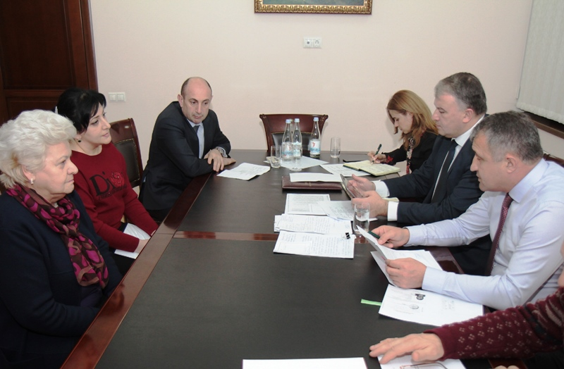 Анатолий Бибилов дал поручение расширить план по восстановлению жилья